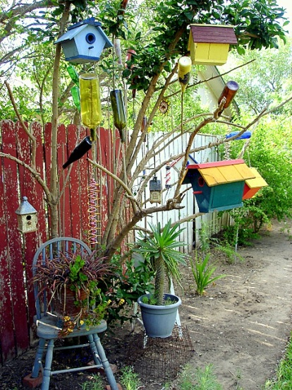 TX, Dora's garden, art tree